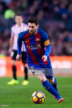 Lionel Messi of FC Barcelona runs with the ball during the La Liga match between FC Barcelona and Athletic Club at Camp Nou stadium on February 4, 2017 in Barcelona, Spain.