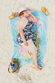 Photographer Tadao Cern spent a weekend photographing men and women as they slept on an unnamed public beach in Lithuania. The project, titled 'Comfort Zone', aims to explore how different surroundings can affect people's behaviour and inhibitions. Social Photography, Types Of Photography, Candid Photography, Documentary Photography, Wildlife Photography, Digital Photography, Fine Art Photography, Street Photography, Fashion Photography