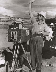 """Billy Wilder on the set of """"Ace in the Hole (AKA The Big Carnival)"""" (1951). DIRECTOR: Billy Wilder."""