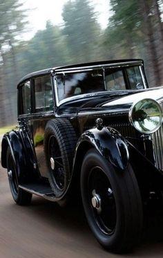 Cluedo: #Cluedo ~ Vintage automobile.