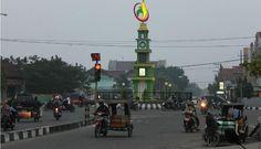 Juga meliputi kawasan Dewantara dan kawasan Jamuan di Kabupaten Aceh Utara | PT Rifan Financindo Berjangka Cabang Jakarta STC   Presiden Joko Widodo (Jokowi) menetapkan sejumlah kawasan di Provinsi Aceh sebagai kawasan ekonomi khusus (KEK) melalui Peraturan Pemerintah (PP) Nomor 5 tahun 2017.  KEK Arun Lhokseumawe sebagaimana dimaksud Jokowi, memiliki luas 2.622,48 hektare (ha), yang terletak dalam Kawasan Kilang Arun Kota Lhokseumawe Provinsi Aceh seluas 1.840,8 ha. Lalu KEK juga berlaku di