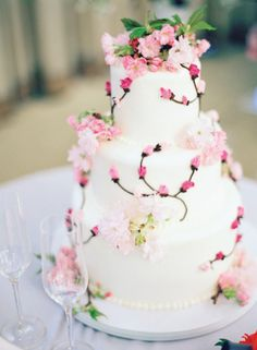 Pink flower cake by bride & groom's friend. Photo by Desi Baytan Photography