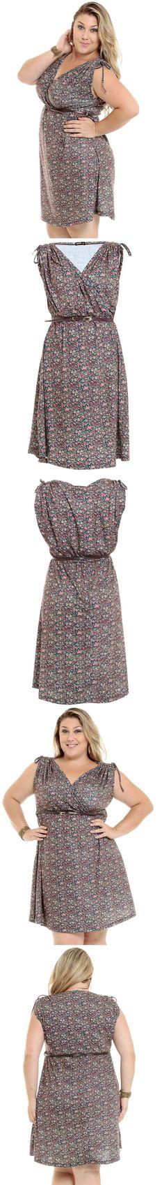 Vestido Tamanho Especial estampado confeccionado em tecido flamê com manga curta, decote V, faixa na cintura para amarração