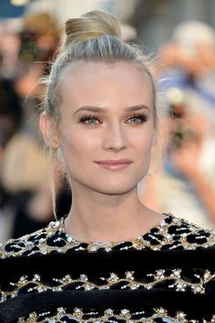 Diane Kruger's no-makeup look and ballerina bun