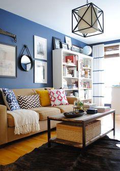 ¿Cómo decorar el living con color azul?