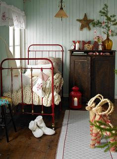 Merry Christmas bedroom ~ Cottage Farmhouse style - Visions of sugar plums may dance in your head.