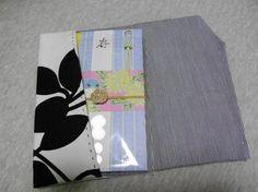 """「ご祝儀用 ふくさ」なかなか買う機会がないご祝儀用のふくさ、1つは持っておきたいですよね…。 お気に入りの布で手縫いでも1日あれば作れます。 スナップボタンをつけてマルチケースにも◎ 掲載作品の販売もしています♪ minne → <a href=""""http://minne.com/sicamo"""">http://minne.com/sicamo</a>[材料]表地/裏地"""