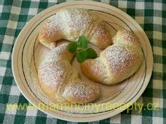 Jednoduché croissanty............ http://www.mamincinyrecepty.cz/kynute/jednoduche-croissanty