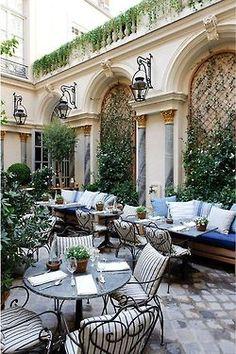 Perfect inner courtyard, hidden garden in urban setting.