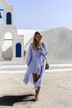 Santorini vibes in Oia | Chloé sandals: http://www.ohhcouture.com/2016/06/chloe-sandals-striped-dress/ | #ohhcouture #leoniehanne #ohhsantorini