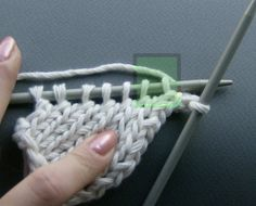My friend, who has recently decided to become a knitter, asked me a few days ago   how to turn the corner ?! She has already found quite a f...