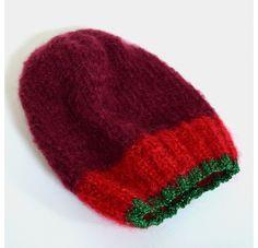 Rose Carmine - Red Hat Baby Alpaga - Shop Now on www.lesparigotes.com
