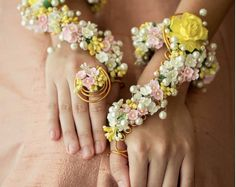 There's a New Flower Jewellery Style In Town And It's Gorgeous! | WedMeGood