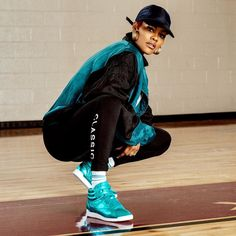 From around da way 🐬 Bringing back that Classic flow in these Hi Metallic joints Dope Fashion, Black Women Fashion, Tomboy Fashion, 90s Fashion, Girl Fashion, Fashion Outfits, Tomboy Look, Tomboy Chic, Tomboy Style