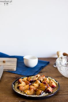 Plum pie with almonds :: readeat.pl