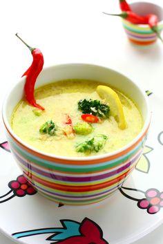 Eine gesunde und abwechslungsreiche Ernährung ist das Ziel! Deshalb sollte auch während der Diät eine möglichst abwechslungsreiche Auswahl an Mahlzeiten zur Verfügung stehen. Da passt eine thailändische Suppe doch ins Konzept!