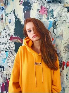 Find images and videos about beauty, riverdale and madelaine petsch on We Heart It - the app to get lost in what you love. Kj Apa Riverdale, Riverdale Memes, Riverdale Cast, Cheryl Blossom Riverdale, Riverdale Cheryl, Gilmore Girls, Pretty People, Beautiful People, Camila Mendes Riverdale