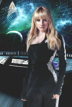 Melissa Rauch better known as Bernadette Rostenkowski from the hit US TV show The Big bang Theory might look like a geek in her starring role, but in real life she's anything but that! Check out these 10 images of Melissa showing us how hot she really is. Star Trek Rpg, Star Trek Cast, Star Trek Ships, Star Wars, Star Trek Actors, Star Trek Characters, Star Trek Outfits, Star Trek Cosplay, Batman Cosplay