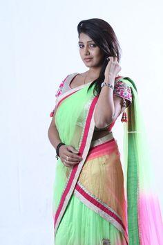 Bhavani Reddy in Half Saree Photoshoot for 2015 Tamil Movie Vajram (2)
