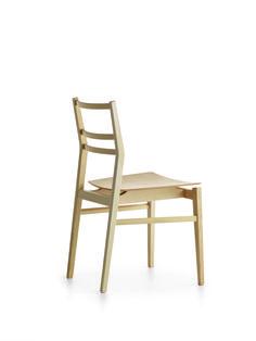Chaise design Già en bois  Dimensions : L 42 x P 49 x H 46 cm 293€