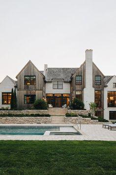 Dream House Exterior, Dream House Plans, House Ideas Exterior, House Design Plans, Big Houses Exterior, Barn House Design, Minimal House Design, Home Styles Exterior, House Outside Design