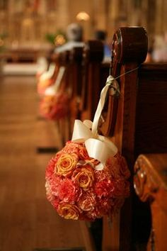 Use Pomanders to line your ceremony seating - gorgeous (from Colin Cowie website)