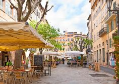 An insider's guide to Provence-Alpes-Côte d'Azur in southern France, including the main attractions, towns and villages to visit on holiday, the major festivals and events, and buying property in Provence-Alpes-Côte d'Azur Cannes, Corsica, Beautiful Places To Visit, Places To See, Grasse France, Monaco, Saint Martin Vesubie, Cagnes Sur Mer, Cap D Antibes