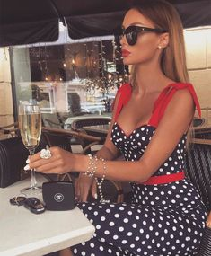 Inspo : _living_with_style_ The post Inspo : _living_with_style_ appeared first on Celebrity Trends Mode Outfits, Chic Outfits, Glam Dresses, Fashion Dresses, Party Dresses, Spring Outfits Classy, Summer Outfit, Paris Chic, Rock Chic