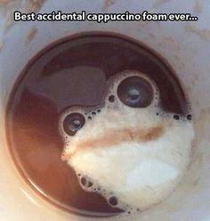 There Is A Frog in My Coffee - Accidental Art Bubbles: There is a frog in my coffee. I don't want to drink my coffee because this frog looks way too real. Doug Funnie, Things With Faces, Crazy Faces, Happy Faces, Hidden Face, Picture Day, Latte Art, Coffee Art, Funny Faces