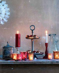 Candelebro rojo de Affari para que decores tu casa jugando con las luces y el ambiente. Disponible en Shopnordico, tienda online de decoración nórdica.