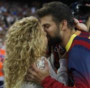 Shakira es una conocida hincha de la selección española, en la que juega Gerard Piqué, su pareja y padre de su hijo.