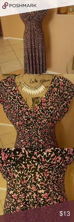 Jones New York Dress Pink black white long dress. Really nice for spring. Nwot. Jones New York Dresses