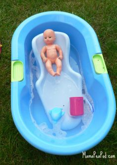 Mama Pea Pod: {Bathing Dolls - Outdoor Water Play}