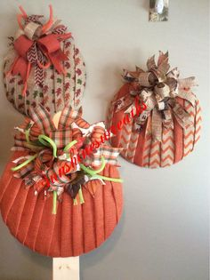 Burlap Crafts, Wreath Crafts, Diy Wreath, Wreath Making, Wreath Ideas, Thanksgiving Wreaths, Fall Wreaths, Halloween Wreaths, Thanksgiving Ideas