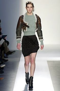 Balenciaga Fall 2003 Ready-to-Wear Fashion Show - Nicolas Ghesquière, Diana Dondoe