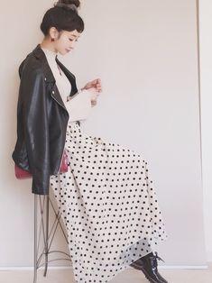 ドットスカートもお気に入りです☺︎♡ 赤バッグをポイントに。 ニット/FREE ジャケット/38 ス