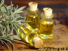 There are a myriad of tea tree oil benefits in today's society. Tea tree oil is a necessity in one's arsenal of natural medicinal products. Scab Healing, Natural Hair Care, Natural Hair Styles, Cypress Oil, Curly Nikki, List Of Essential Oils, Yennefer Of Vengerberg, Young Living Oils, Oil Benefits