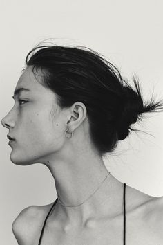 Yumi Lambert By Photographer Nicolas Kantor - Minimal. Face Drawing Reference, Profile Drawing, Human Reference, Anatomy Reference, Photo Reference, Profile Woman, Women Profile, Face Profile, Woman Portrait