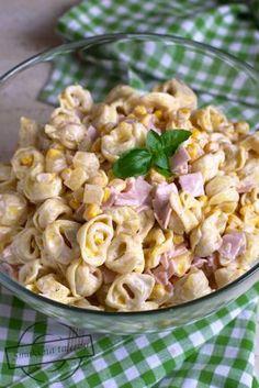 Tortellini, Salad Recipes, Diet Recipes, Vegan Recipes, Yogurt Dessert, Appetisers, Pasta Salad, Breakfast Recipes, Food Photography