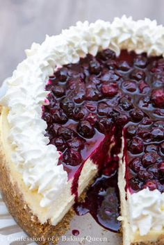 Blueberry Cheesecake is Vanilla & Lemon Infused and topped with Fresh Whipped Cream and a gorgeous Homemade Blueberry Topping! This easy cheesecake recipe will be your new favorite dessert! Mini Desserts, Birthday Desserts, Just Desserts, Delicious Desserts, Birthday Cake, Sweet Desserts, Oreo Dessert, Baking Recipes, Cake Recipes