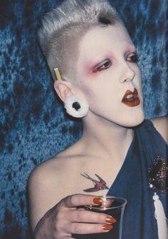 Derek Ridgers' London Youth, Scarlett at the Alternative Miss World, 1981