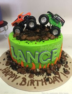 New Ideas monster truck birthday party food awesome Festa Monster Truck, Monster Truck Birthday Cake, Monster Trucks, Monster Truck Cakes, Monster Party, Monster Jam Cake, Cool Birthday Cakes, 4th Birthday, Birthday Ideas