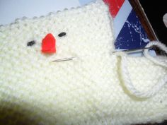 My knitted chick pattern to fit a Cadbury Creme egg has proved very popular ( and I decided to adapt it to take a larger Easter egg, the Kinder Surprise egg. Knitting Wool, Double Knitting, Baby Knitting, Free Knitting, Free Crochet, Crochet Poppy Pattern, Crochet Patterns, Easter Egg Template, Animal Knitting Patterns