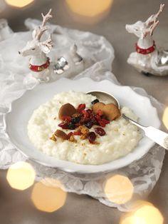 Ei ole parempaa jouluaattoaamun tai -aamupäivän avausta kuin riisipuuro. Herkullista riisipuuroa lusikoidessa voi kuunnella Turun joulurauhan julistuksen.Kaneli ja sokeri ovat erinomaisia...