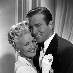 """Vintage Stardust on Instagram: """"Happy Heavenly Birthday* to actor and singer John Payne (1912-1989) 💖💖💖. Born to a prosperous Virginia family, Payne studied drama in…"""" Old Hollywood Actors, Vintage Hollywood, Classic Hollywood, Julie Payne, Happy Heavenly Birthday, Facial Scars, Gloria Dehaven, John Payne, Robert Montgomery"""