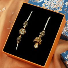 Gift Crystal Kundan Pachhi Designed Bhaiya Bhabhi Rakhi with Oxidized Beads Quilling Rakhi, Womens Day Gift Ideas, Same Day Delivery Gifts, Handmade Rakhi Designs, Jewelry Gifts, Handmade Jewelry, Rakhi Gifts, Beads Online, Buy Crystals