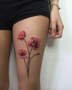 Poppies on thigh by Jess