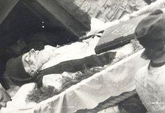 Fotografii rare cu Părintele Arsenie Boca - chipul îngeresc sub înfățișare de om Art, Art Background, Kunst, Performing Arts, Art Education Resources, Artworks