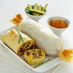 Ecco un piatto unico, perfetto per una serata in compagnia di amici: scopri la ricetta dello strudel di verdure, robiola e pollo al curry su Sale&Pepe.