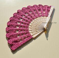 Fuchsia Lace Fan Hand Held Fan Handmade Lace por ModernCrochetClub
